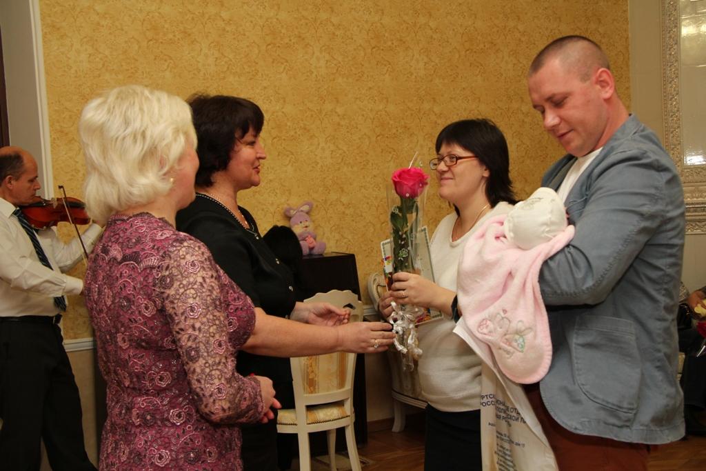 Сценарий регистрации новорожденного в загсе